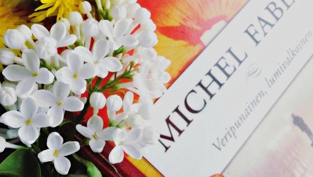 michel-faber-veripunainen-lumivalkoinen-kirja-arvostelu-book-review